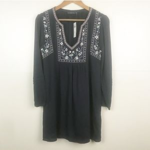 A&F Boho Embroidered Dress - xs